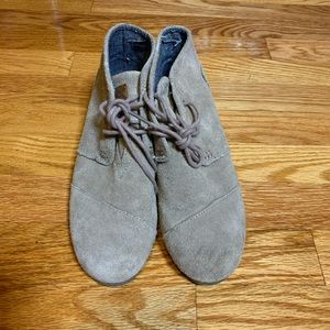 Toms Suede Wedge Booties Size Y4